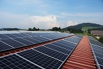 Vlaams minister van Onderwijs Hilde Crevits wil meer scholen met zonnepanelen